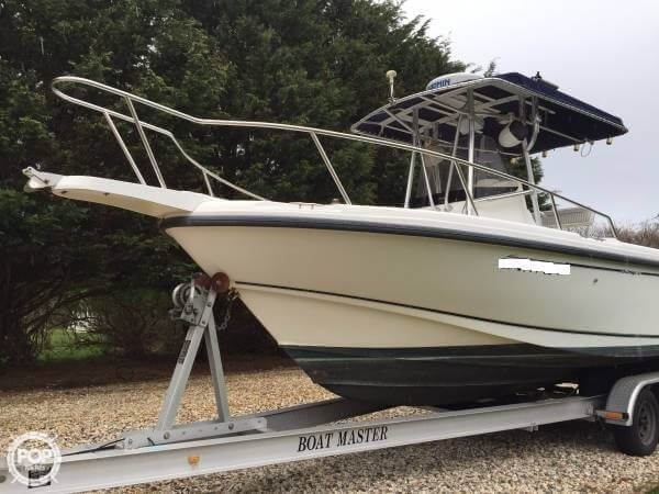 2001 Boston Whaler 23 Outrage - Photo #2
