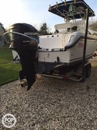 2001 Boston Whaler 23 Outrage - Photo #9