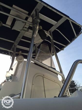 2001 Boston Whaler 23 Outrage - Photo #10