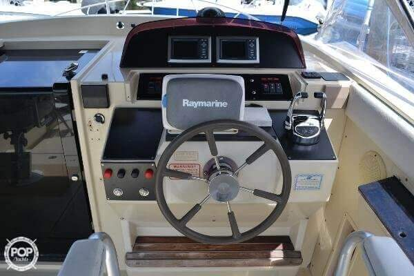 1989 Boston Whaler 32 - Photo #15