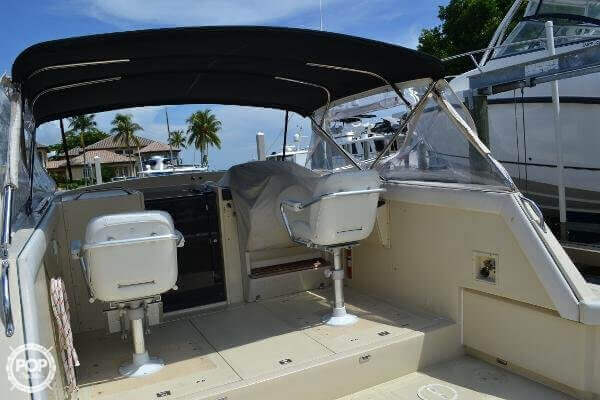 1989 Boston Whaler 32 - Photo #16