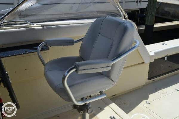 1989 Boston Whaler 32 - Photo #19