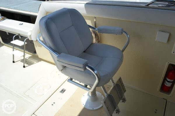 1989 Boston Whaler 32 - image 14