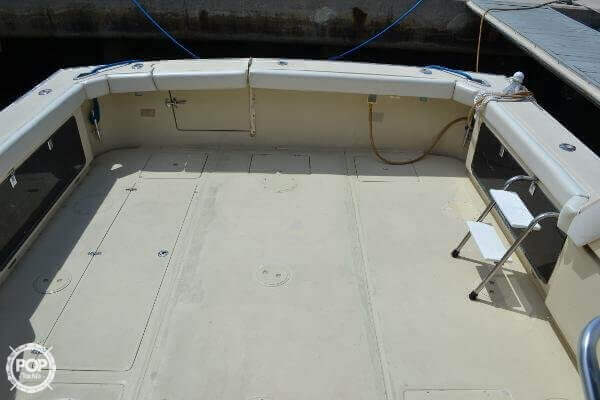 1989 Boston Whaler 32 - Photo #23