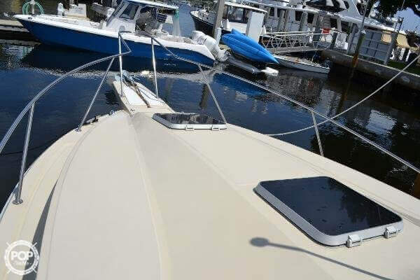 1989 Boston Whaler 32 - image 6