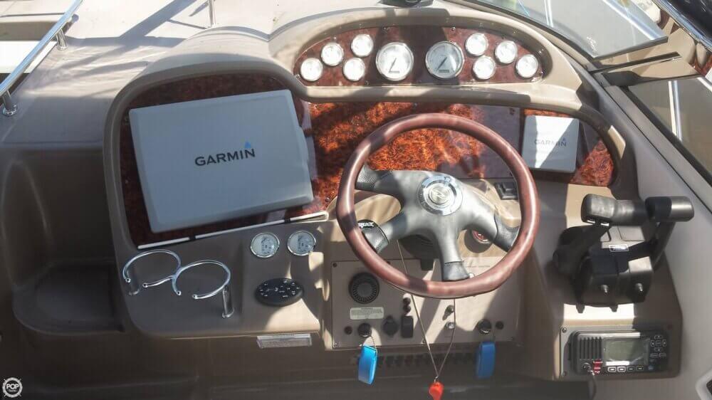 2005 Regal 3560 Commodore - Photo #22