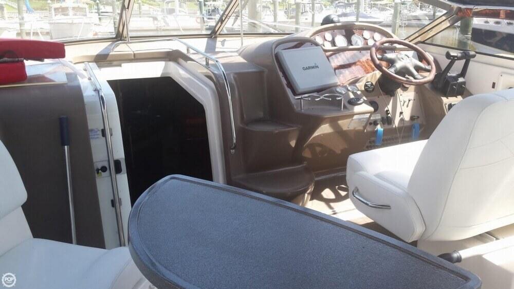 2005 Regal 3560 Commodore - Photo #30