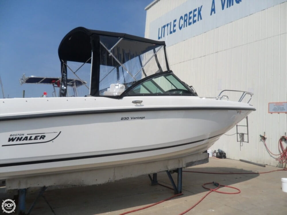 2014 Boston Whaler 23 - Photo #7