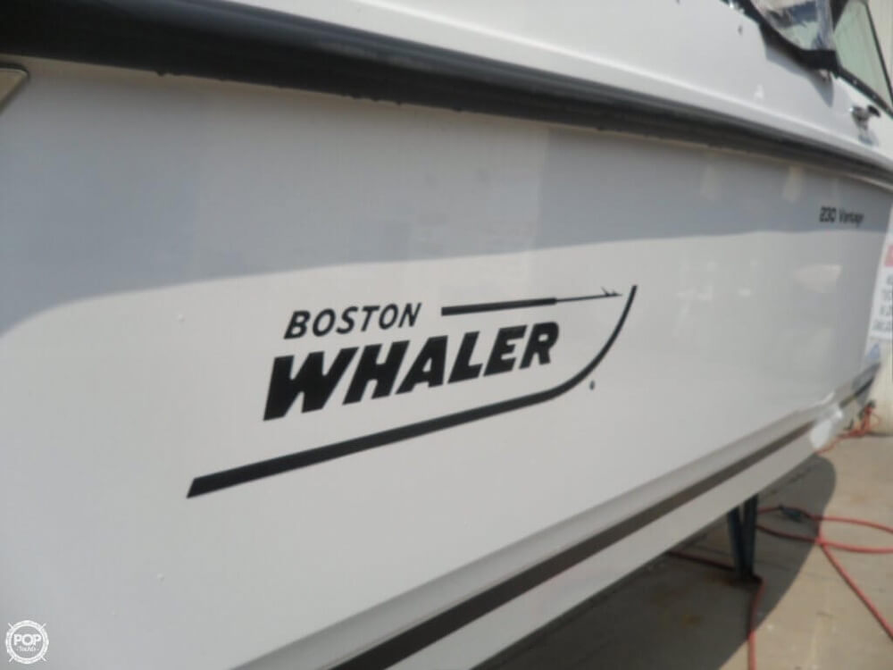 2014 Boston Whaler 23 - Photo #9