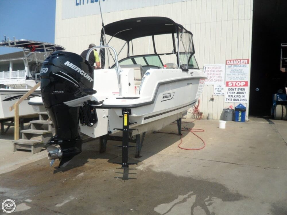2014 Boston Whaler 23 - Photo #5