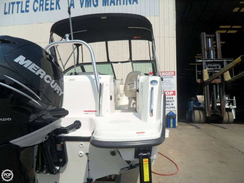 2014 Boston Whaler 23 - Photo #15