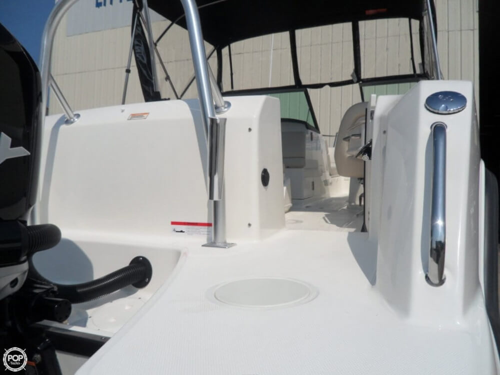 2014 Boston Whaler 23 - Photo #17