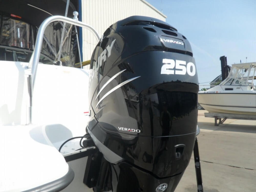2014 Boston Whaler 23 - Photo #22