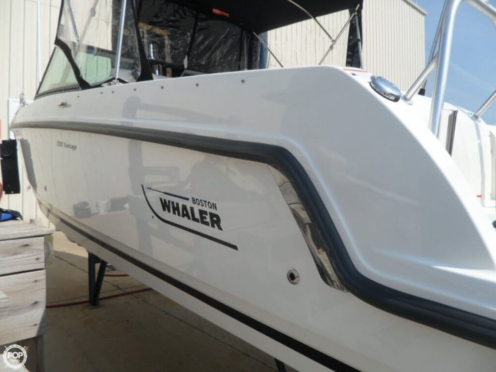 2014 Boston Whaler 23 - Photo #24