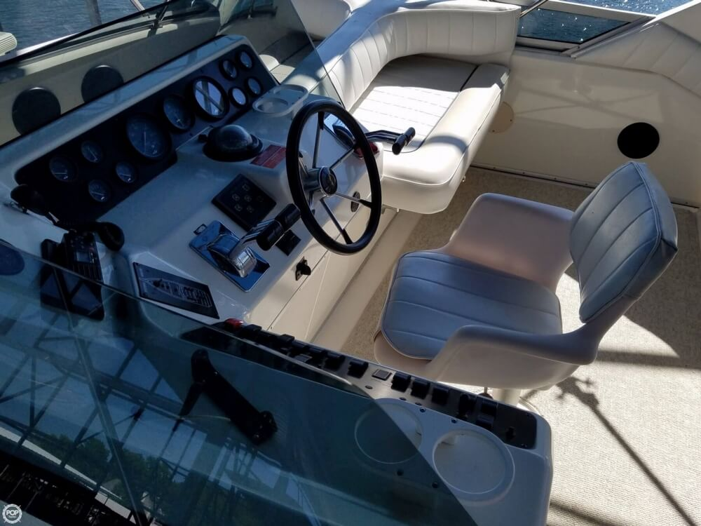 1994 Sea Ray boat for sale, model of the boat is 440 Express Bridge & Image # 5 of 40