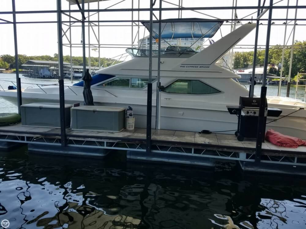 1994 Sea Ray boat for sale, model of the boat is 440 Express Bridge & Image # 17 of 40