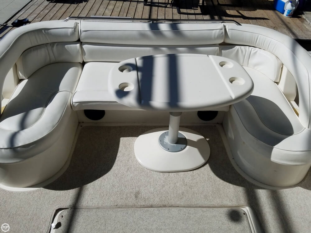 1994 Sea Ray boat for sale, model of the boat is 440 Express Bridge & Image # 25 of 40