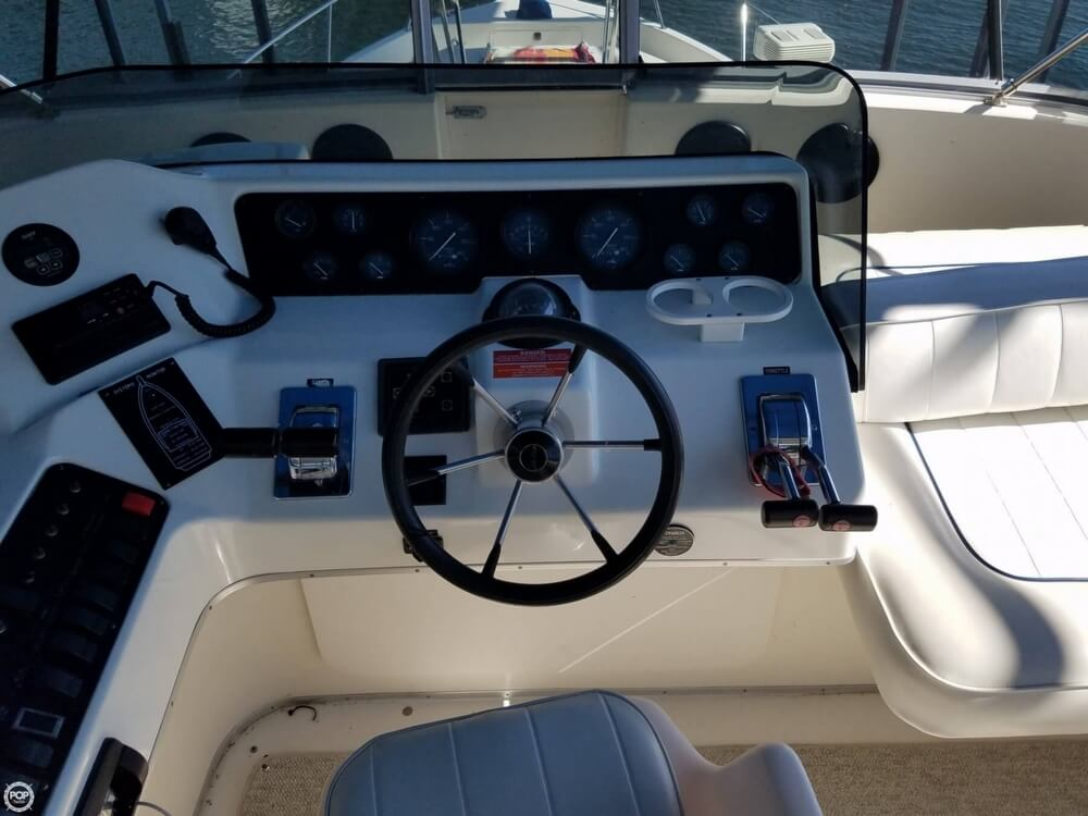 1994 Sea Ray boat for sale, model of the boat is 440 Express Bridge & Image # 32 of 40