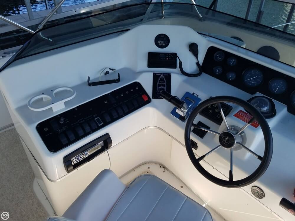 1994 Sea Ray boat for sale, model of the boat is 440 Express Bridge & Image # 33 of 40