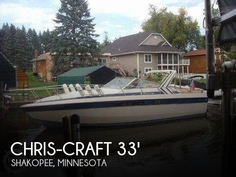 1985 Chris Craft boat for sale, model of the boat is Commander 332 & Image # 1 of 3