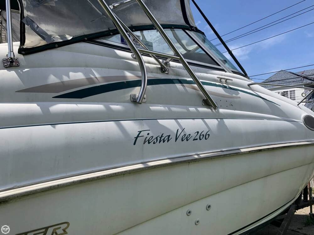 1997 Rinker boat for sale, model of the boat is FIESTA VEE 266 & Image # 9 of 40