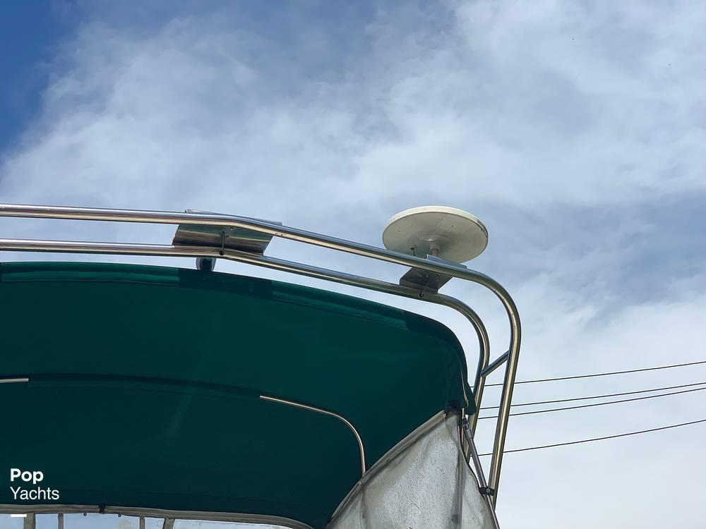1997 Rinker boat for sale, model of the boat is FIESTA VEE 266 & Image # 16 of 40
