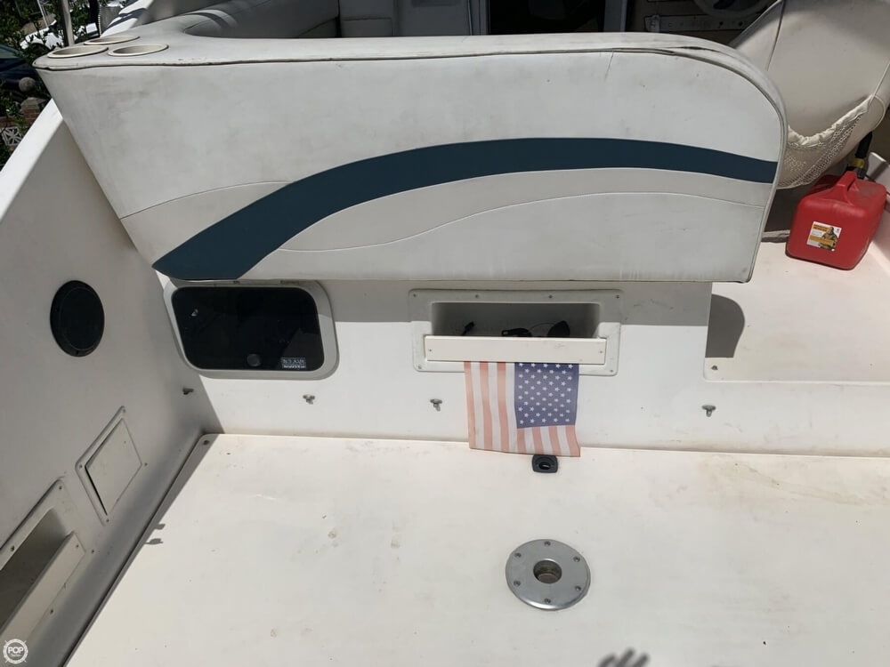 1997 Rinker boat for sale, model of the boat is FIESTA VEE 266 & Image # 21 of 40