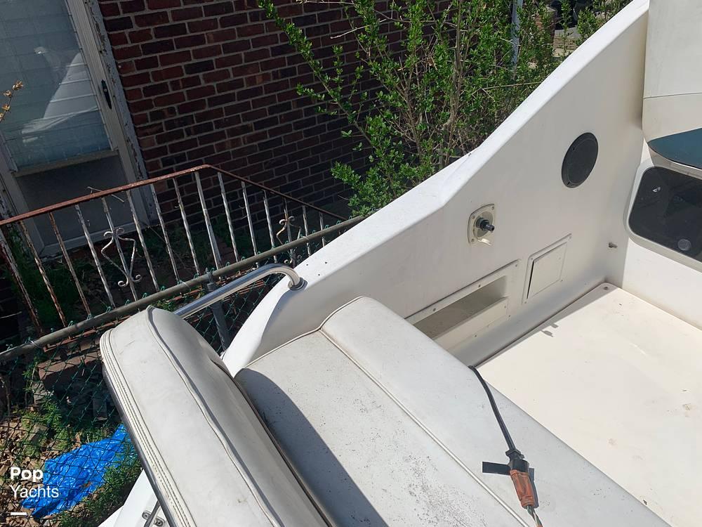 1997 Rinker boat for sale, model of the boat is FIESTA VEE 266 & Image # 23 of 40