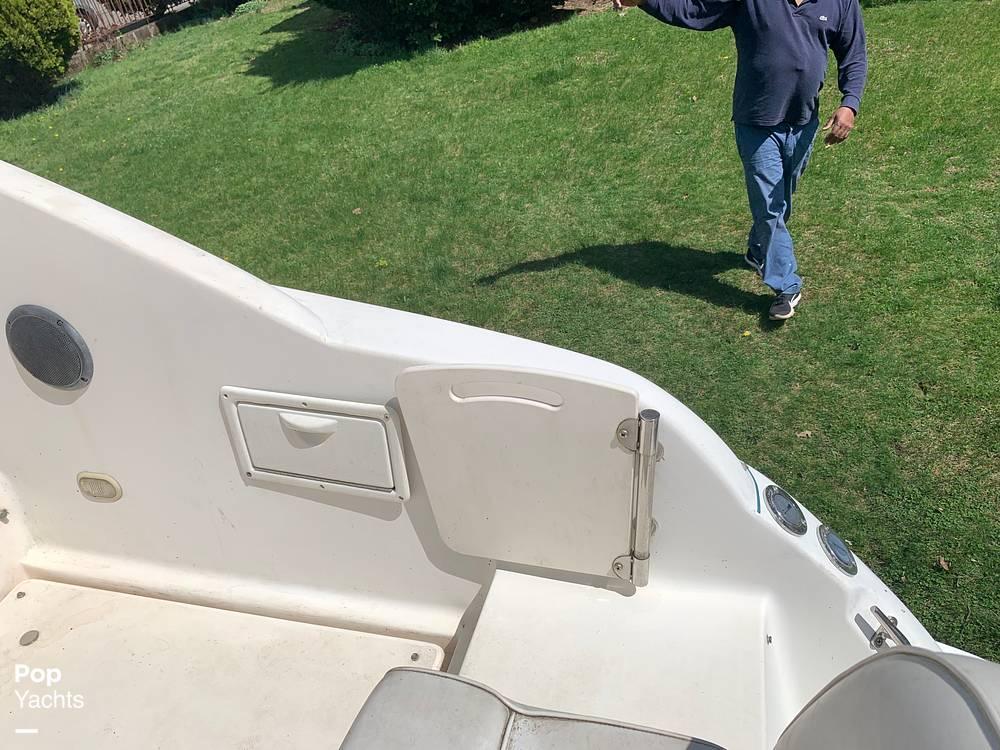 1997 Rinker boat for sale, model of the boat is FIESTA VEE 266 & Image # 27 of 40
