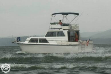 Marinette 32 Sedan, 32', for sale - $25,000