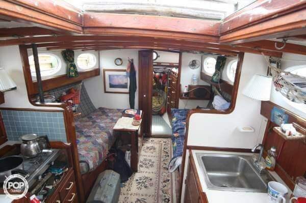 1982 Bluewater Custom Built 33 - Photo #3