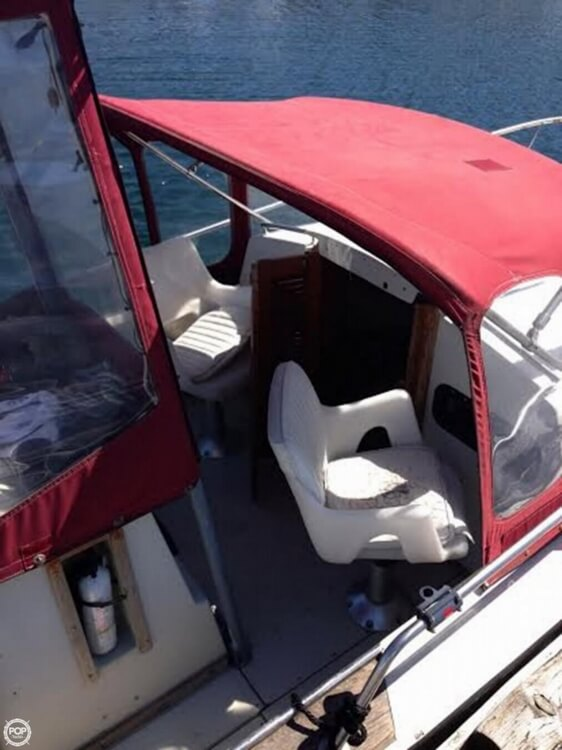 1989 Boston Whaler boat for sale, model of the boat is 22 Cuddy Cabin & Image # 3 of 12