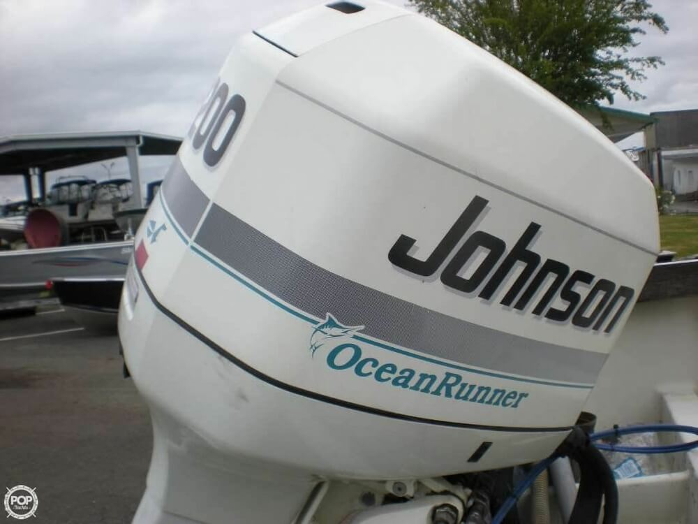 1989 Boston Whaler boat for sale, model of the boat is 22 Cuddy Cabin & Image # 6 of 12