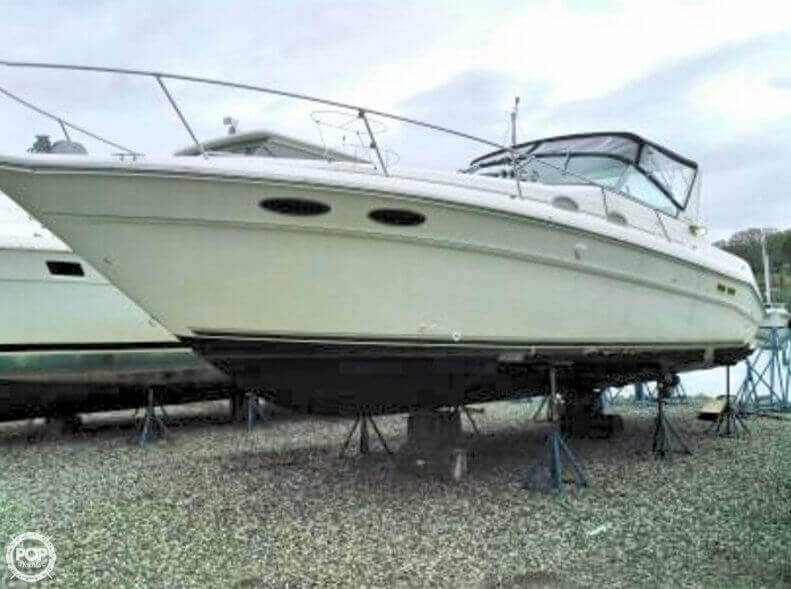 1994 Sea Ray 33 - Photo #2