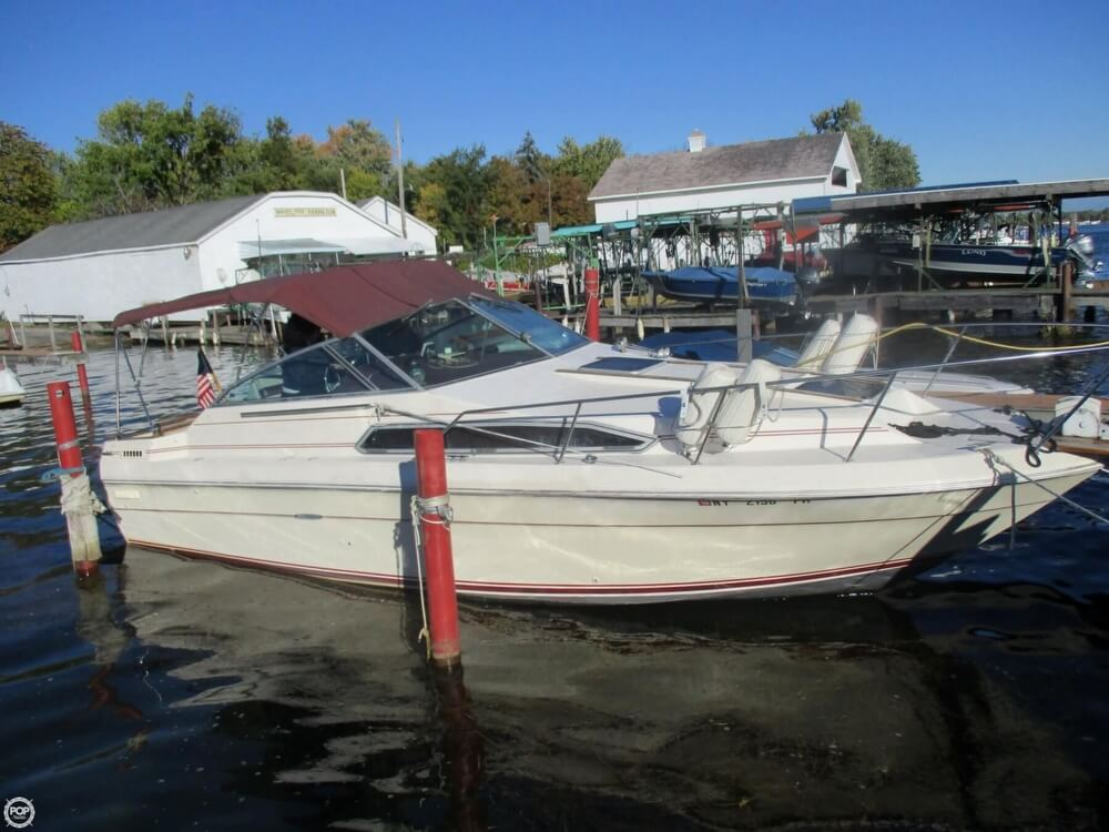 1985 Sea Ray boat for sale, model of the boat is 270 Sundancer & Image # 2 of 42