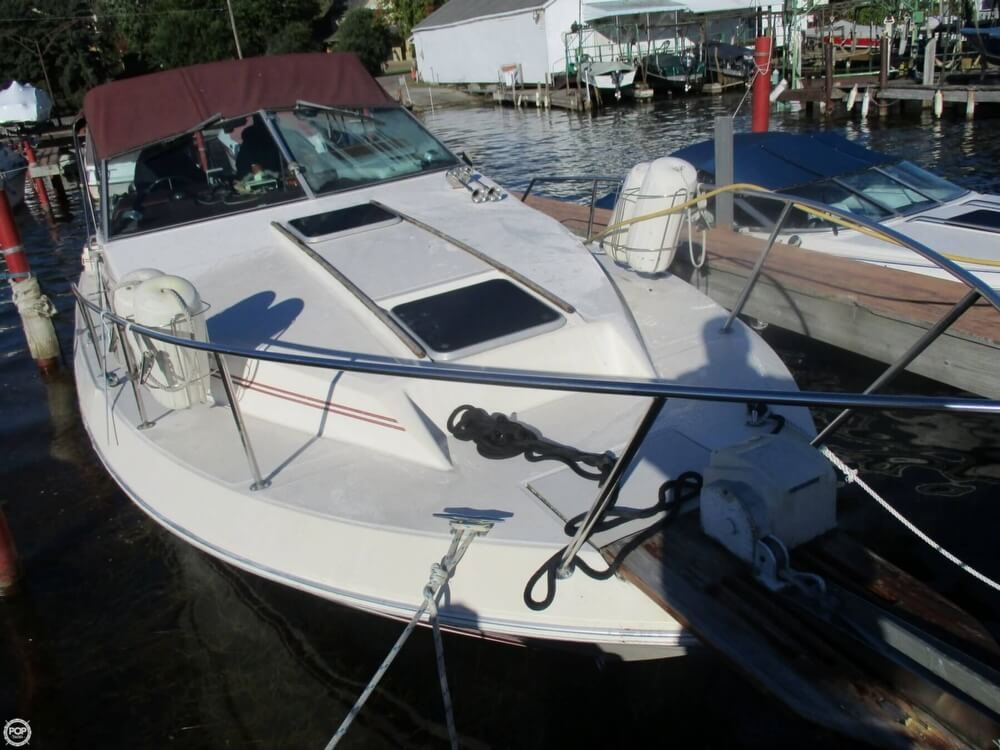 1985 Sea Ray boat for sale, model of the boat is 270 Sundancer & Image # 5 of 42