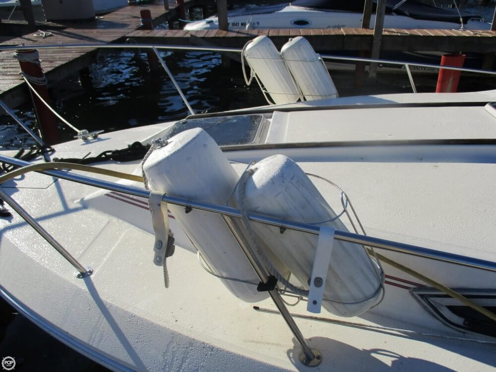 1985 Sea Ray boat for sale, model of the boat is 270 Sundancer & Image # 6 of 42