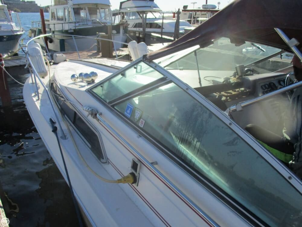 1985 Sea Ray boat for sale, model of the boat is 270 Sundancer & Image # 10 of 42