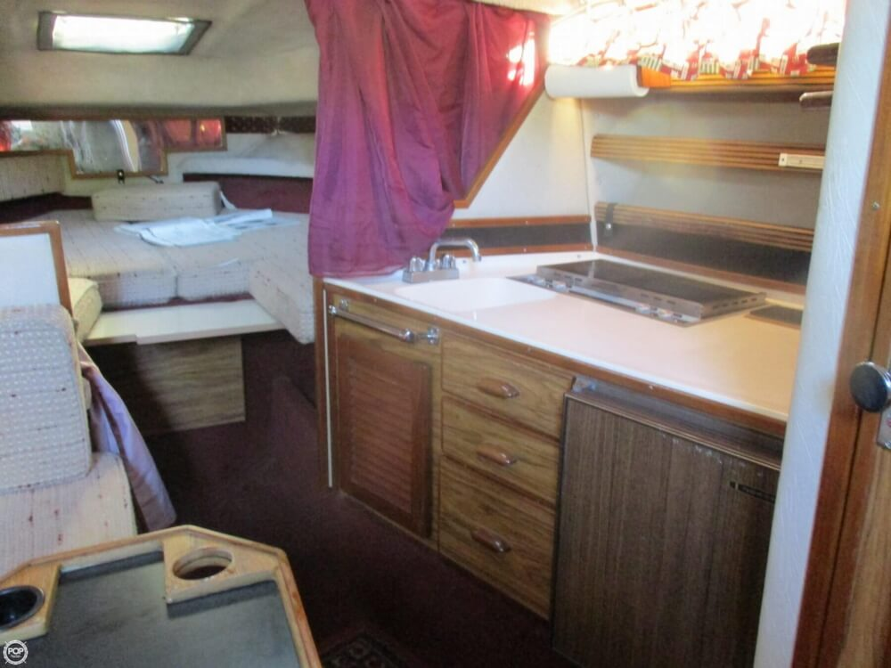 1985 Sea Ray boat for sale, model of the boat is 270 Sundancer & Image # 20 of 42