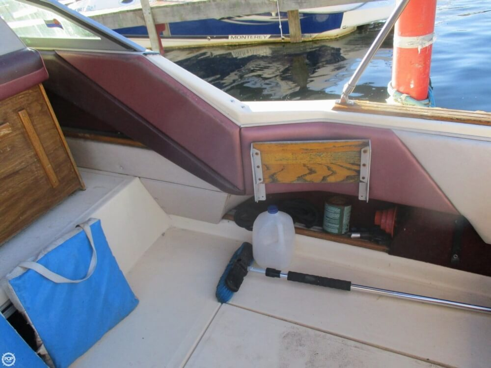 1985 Sea Ray boat for sale, model of the boat is 270 Sundancer & Image # 31 of 42