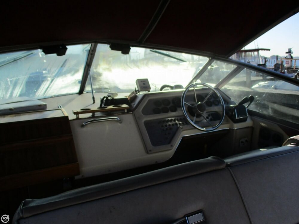 1985 Sea Ray boat for sale, model of the boat is 270 Sundancer & Image # 33 of 42