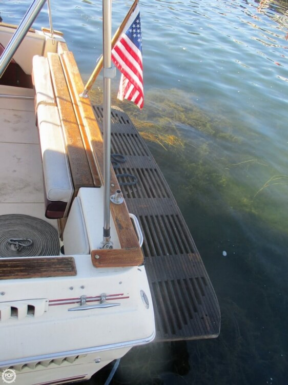 1985 Sea Ray boat for sale, model of the boat is 270 Sundancer & Image # 35 of 42
