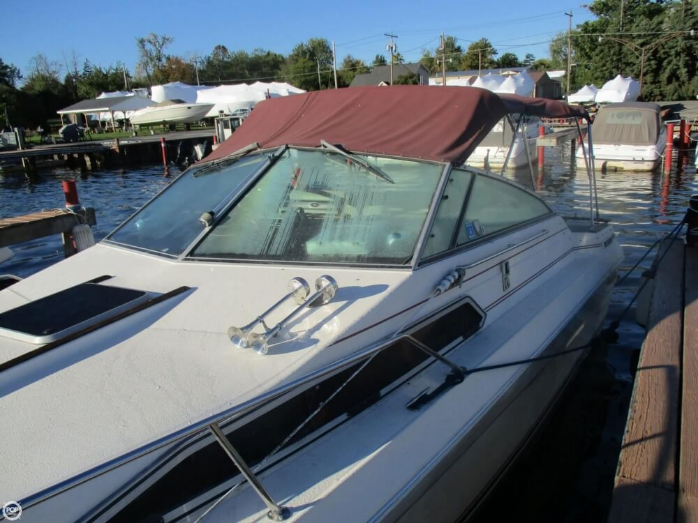 1985 Sea Ray boat for sale, model of the boat is 270 Sundancer & Image # 36 of 42