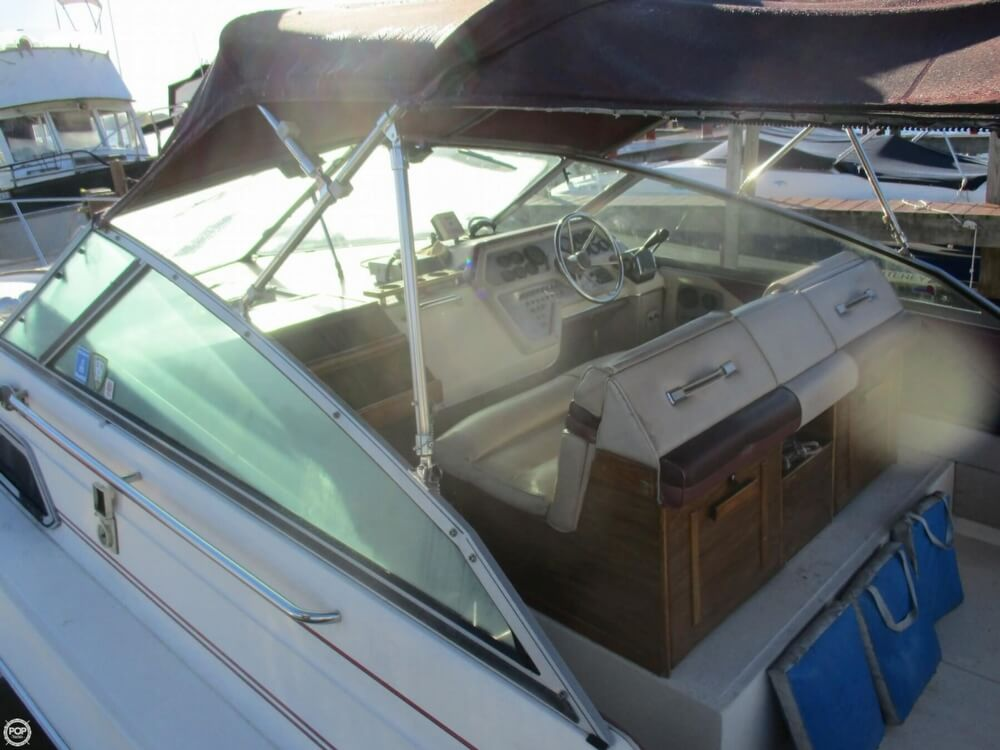 1985 Sea Ray boat for sale, model of the boat is 270 Sundancer & Image # 37 of 42