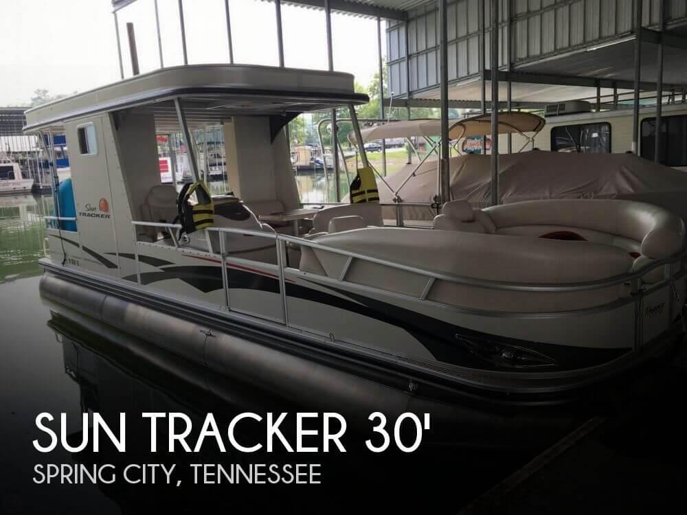 2011 Sun Tracker 30 - Photo #1