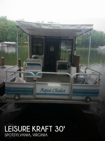 1997 LEISURE KRAFT 30 HOUSE BOAT for sale