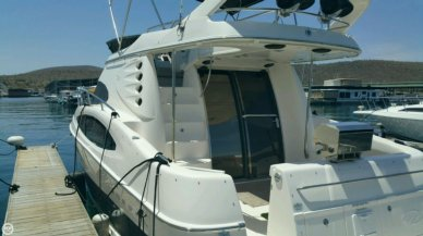 Regal 3880 Commodore Flybridge, 40', for sale - $146,000