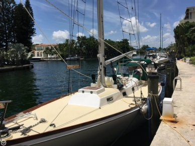 Block Island 40, 40', for sale - $33,500