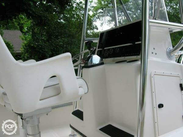 1998 Boston Whaler 20 - Photo #9