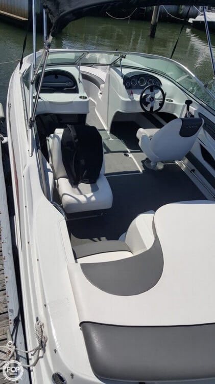 2011 Sea Ray 21 - Photo #10